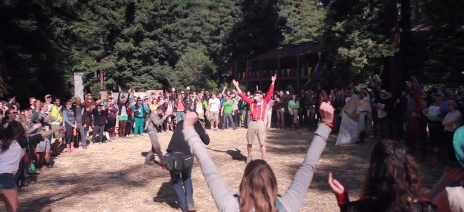 Analoges Erwachungserlebnis für Erwachsene: Teilnehmer des digitalen Entziehungs-Ferienlagers Camp Grounded