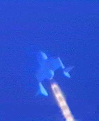 """Senkrecht ins All: 80 Sekunden feuert das Triebwerk der """"Space Ship One"""""""