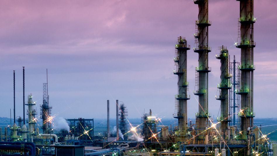 Chemieanlage in Nordrhein-Westfalen: Ausgebremste Wirtschaft zahlte im Januar weniger Steuern