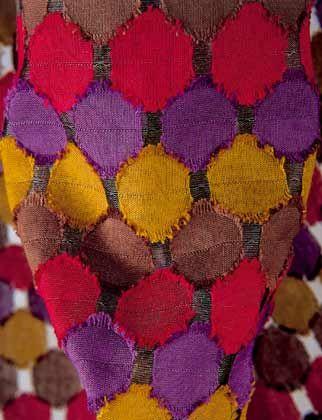 Farbenfrohe Stofftupfen: Dekorationsgewebe Clou von Nya Nordiska Textiles, Designpreis in Silber