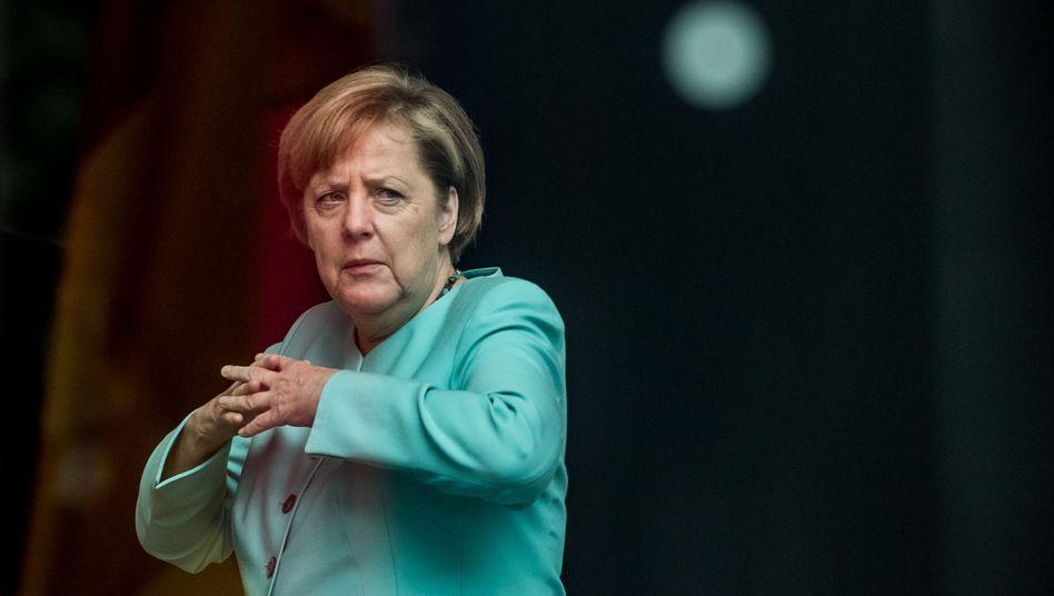 "Bundeskanzlerin Angela Merkel (CDU): ""Fatale Schwäche"""