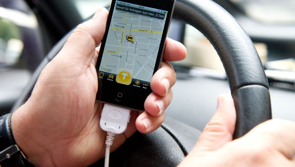 Die App MyTaxi zeigt unter anderem freie Fahrzeuge in der Umgebung an