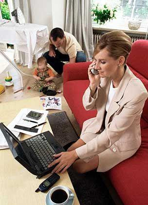 Frauen machen Karriere: Besonders junge Frauen möchten Familie und beruflichen Erfolg miteinander vereinbaren