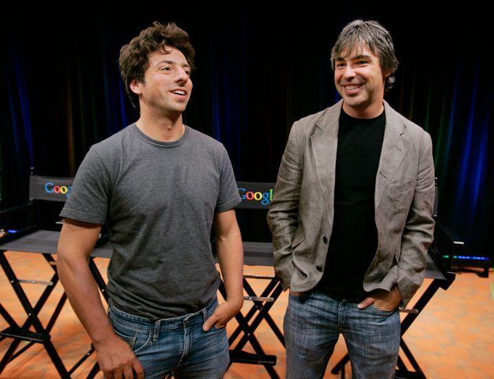 """Sergey Brin (l.) und Larry Page: """"Es ist Zeit, die Rolle von stolzen Eltern einzunehmen."""""""