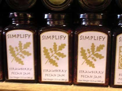 "Trend ""Simplify"": Simplify Strawberry Pecan Jam"