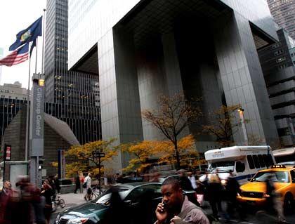 Zwei Superlative weg: Citi ist nicht mehr die größte Bank und vermarktet nicht mehr die älteste Kreditkarte
