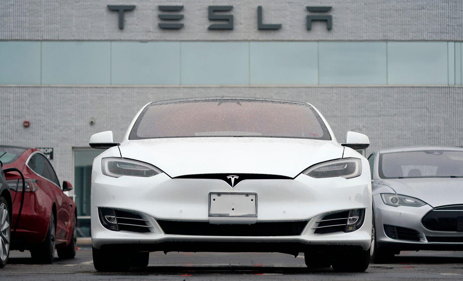 Tesla-Deliveries