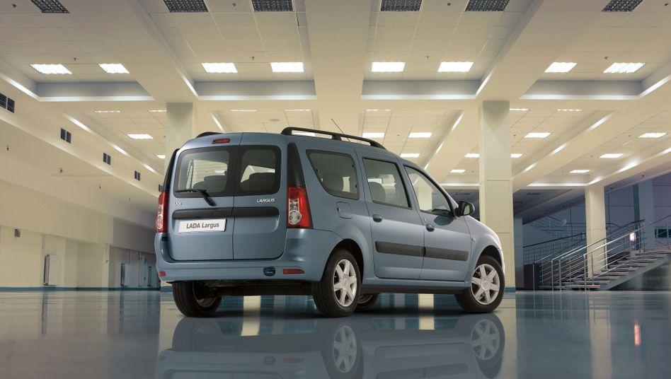Lada Largus: Das Auto basiert auf dem Dacia Logan, Renaults rumänischer Billigmarke