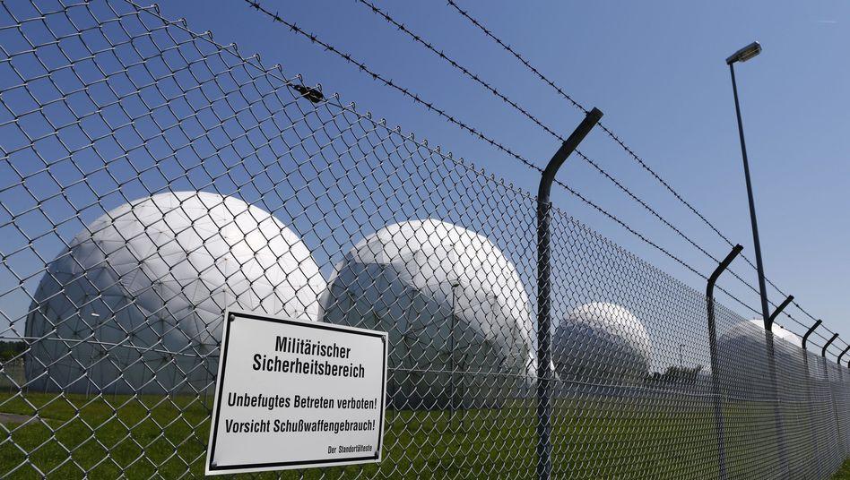 Lauschposten der NSA in Bad Aibling: Der Bundesanwalt prüft, ob es in der Daten-Affäre Anhaltspunkte für staatsschutzrelevante Delikte gibt