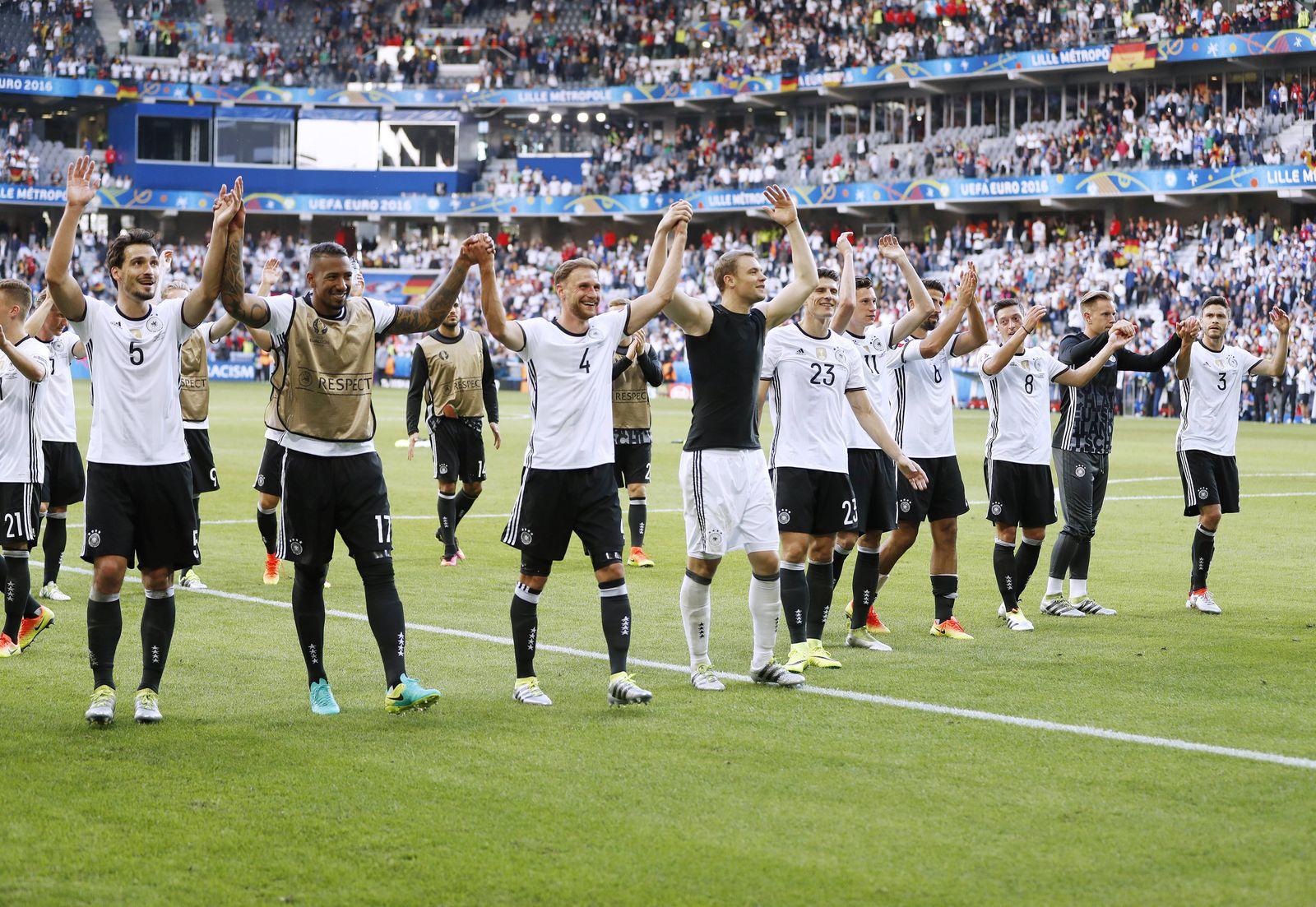 EINMALIGE VERWENDUNG Deutsche Nationalmannschaft / EURO Fußball