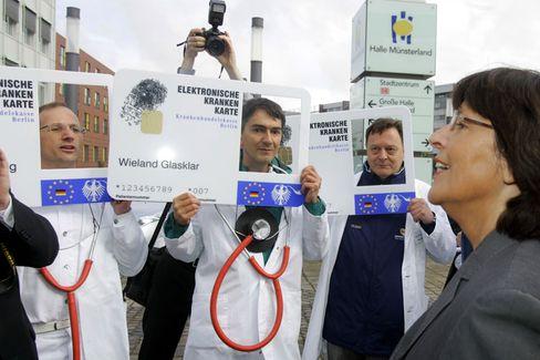 Ärzteprotest gegen Gesundheitskarte: Mediziner fürchten, dass mehr Transparenz und Effizienz sie um ihre Autonomie bringt