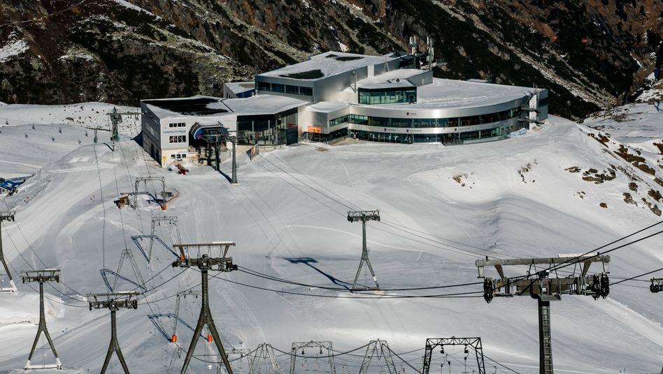 Verlassen: Skistation auf dem Stubaier Gletscher in Tirol