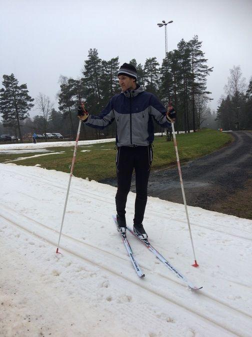 Niklas Östberg auf Skiern