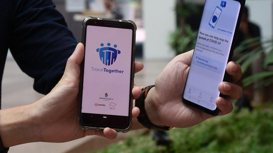 Gesundheitsminister Spahn will die Corona-App in dieser Woche vorstellen. Andere Länder sind schon weiter: In Singapur wird schon seit einigen Wochen eine Corona-App genutzt