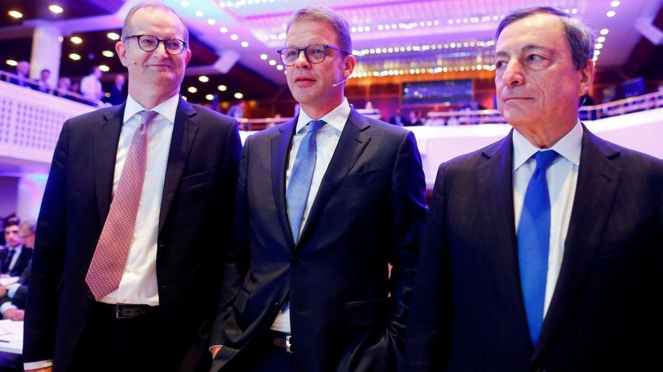 Tage des Donners: Commerzbank-Chef Martin Zielke (li.), hier mit Deutsche-Bank-Pendant Christian Sewing auf einer Konferenz im August 2018.