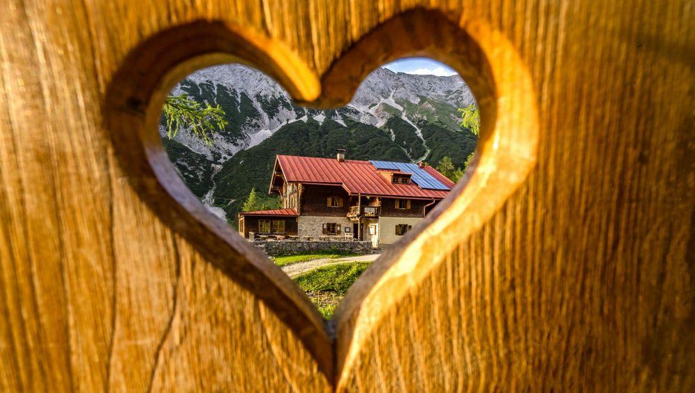 Alpenhütten: Schlichte Herbergen für Wanderer