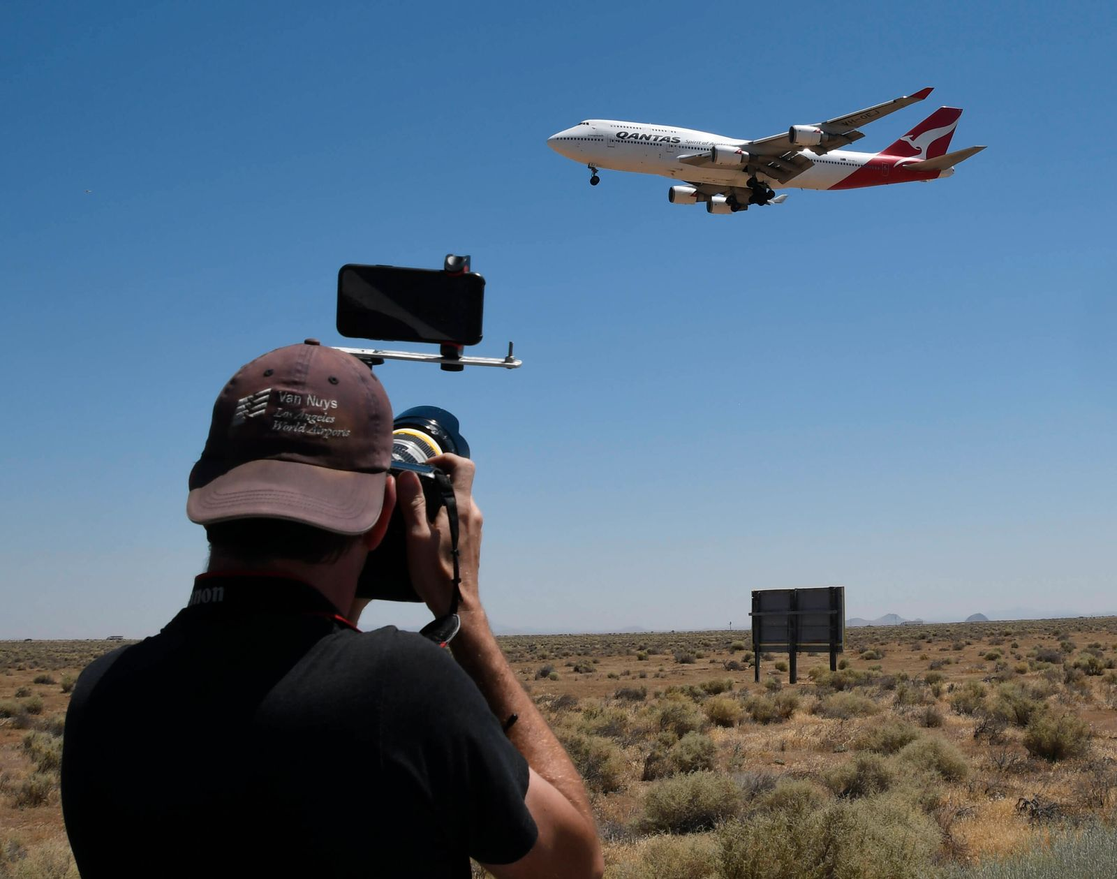 Australia s Qantas Airways has retired its last Boeing 747 as it makes its final flight to Mojave CA/USA airpot Friday,