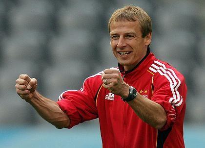 Jürgen Klinsmann: Als Trainer führte er das deutsche Team auf Platz Drei der WM - ausgerüstet von Adidas