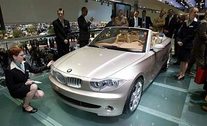 Blick in die Zukunft: Der BMW CS 1, präsentiert beim Genfer Autosalon 2003