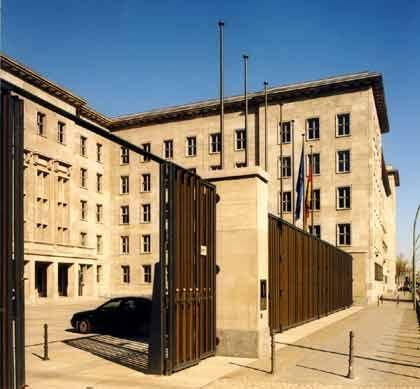 Wechselvolle Geschichte: Das Detlev-Rohwedder-Haus beherbergt heute das Bundesfinanzministerium