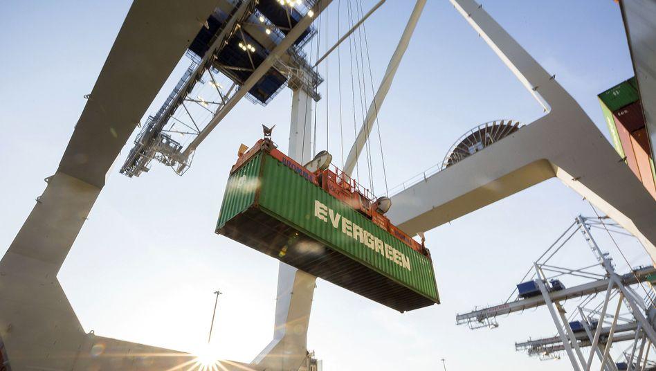 Container als Baustein für Handel und Globalisierung: Die US-Politik bremst derzeit das Wachstum des Welthandels.