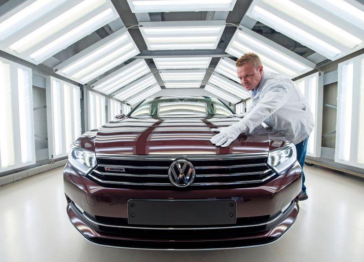 Fahrzeugkontrolle in Zwickau: Als Heimat von Audi, Horch und Trabant eine Traditionsschmiede der Autoindustrie