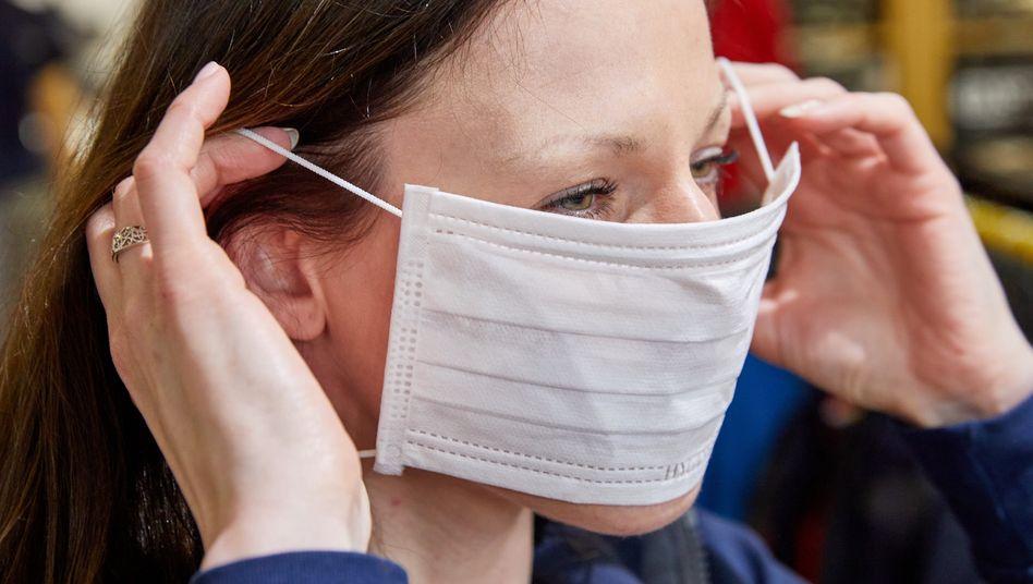 Sollte das Tragen von Atemschutzmasken für Arbeitnehmer Pflicht werden?
