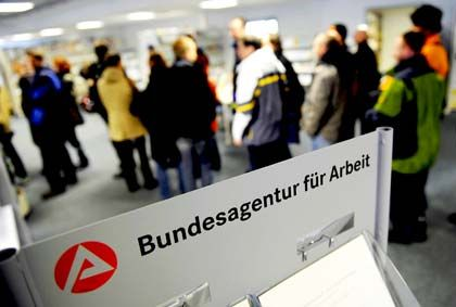 Arbeitslose: Experten rechnen mit mehr Jobsuchern in 2010