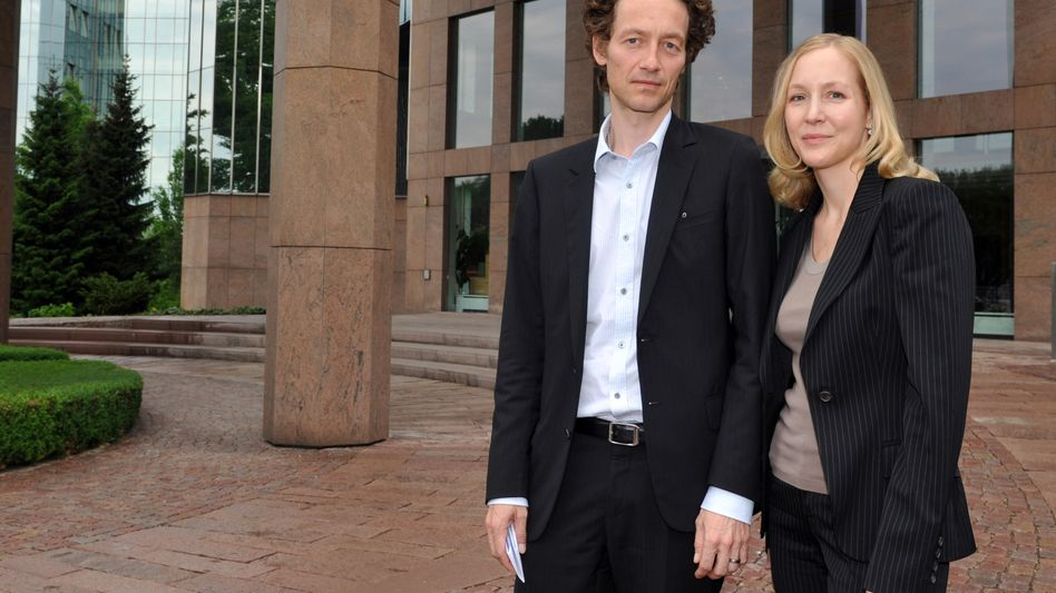 Lars und Meike Schlecker, Kinder des Ex-Drogeriemarktkönigs Anton Schlecker, müssen ihre Haftstrafe antreten