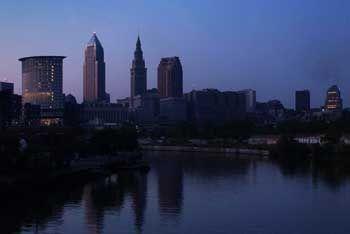 Schwarzer Donnerstag: Auch die City von Cleveland versank in der Finsternis, nachdem ein Stromausfall den Nordosten der USA und Teile Kanadas traf
