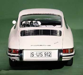 Die Nachfrage nach einem preislich günstigen Porsche führt 1965 zum Modell 912. Sein Motor stammt aus der 356-Baureihe