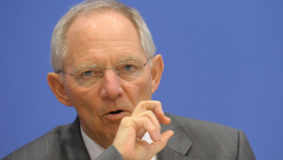 Bundesfinanzminister Schäuble: Will die Steuermehreinnahmen hauptsächlich zum Abbau des Staatsdefizit verwenden