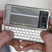 Internet für die Hosentasche: Nur drei Millionen Internetsurfer gehen in Deutschland auch per Handy ins Netz