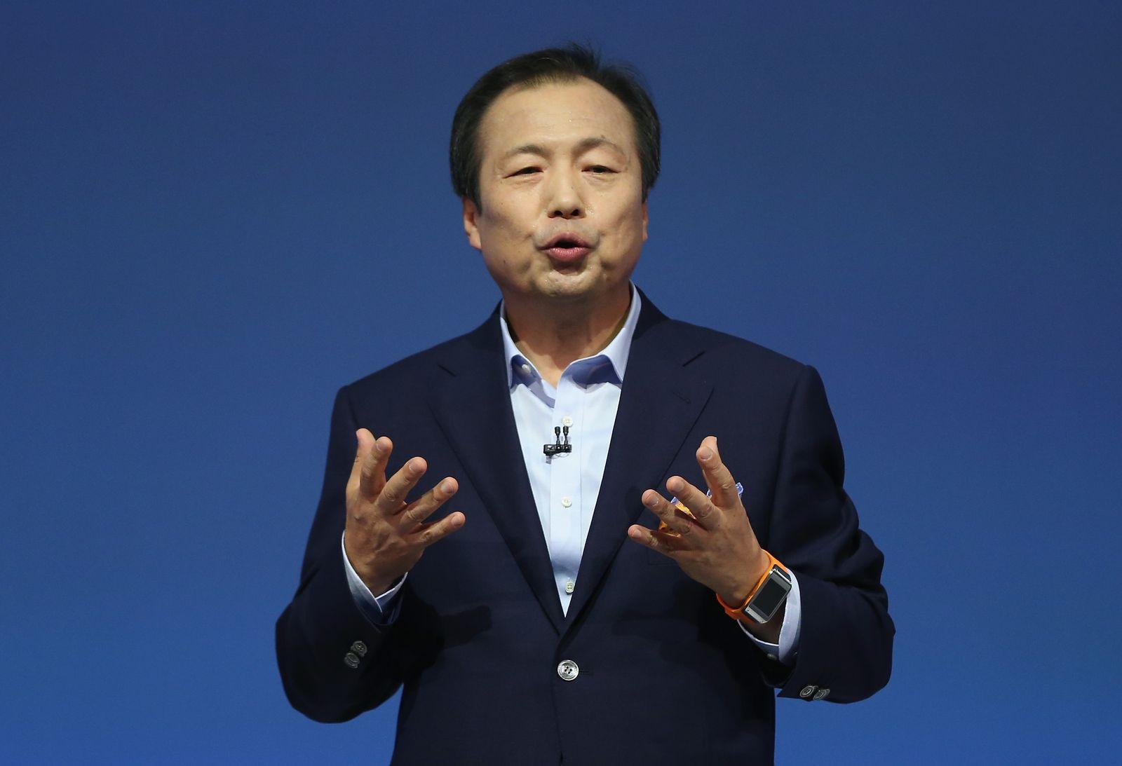 J.K. Shin / Samsung Galaxy Gear / Smartwatch