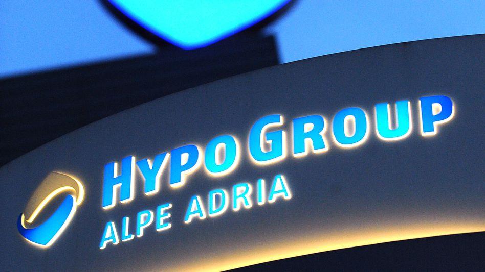 Bayern LB: Angeblich hat die Landesbank bei der Rückgabe der Hypo Alpe Adria an die Republik Österreich einen Verzicht auf Schadenersatzansprüche erklärt
