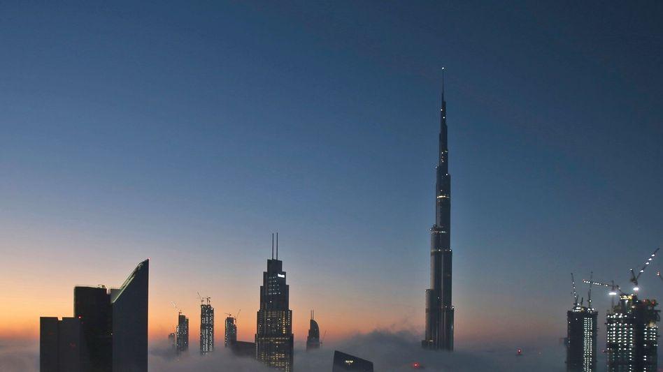 Höhenrausch über dem Nebel: Aus seinem Apartment im welthöchsten Gebäude Burj Khalifa in Dubai steuerte Oliver B. die Wirecard-(Schein-)Partnerfirmen Al Alam