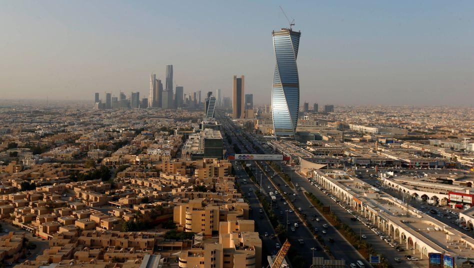 Riad: In der Hauptstadt demonstrierten elf Prinzen dagegen, dass die Regierung die Strom- und Wasserrechnungen von Mitgliedern der Königsfamilie nicht mehr bezahlt