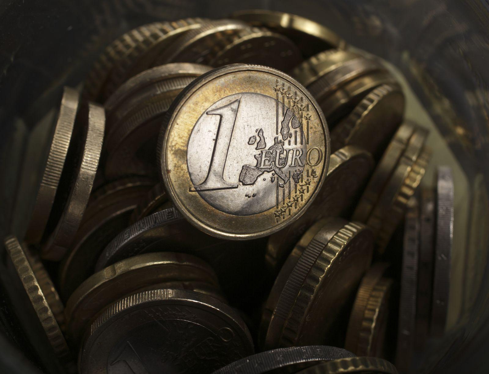 Symbolbild Euro / Euro-Münze / Bargeld
