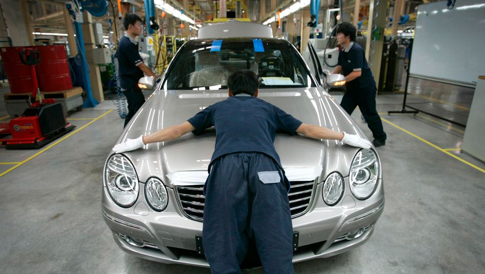 Daimler-Produktion in Peking: Nun gibt es auch ein Pkw-Motorenwerk in China