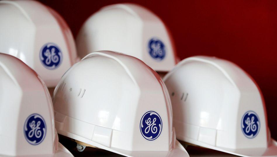 Helme für Besucher eines GE-Windparks