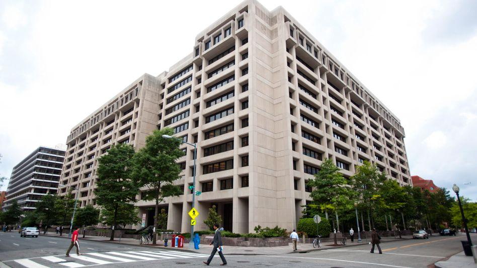 Die IWF-Zentrale in Washington lenkt im Ringen um ein drittes griechisches Rettungspaket langsam ein