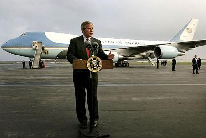 Sicherheitsstufe 1: Bush mit Air Force One