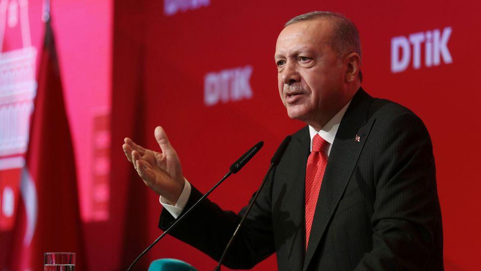 """""""Mit großer Sorge"""" beobachte Volkswagen die neue kriegerische Entwicklung in Syrien, für die der türkische Präsident Erdogan verantwortlich zeichnet"""