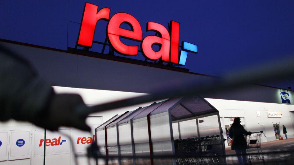 Real Supermarkt: Bereits 2012 hatten die Rheinländer das Osteuropageschäft für 1,1 Milliarden Euro an das französische Handelsunternehmen Auchan veräußert. Nun folgen die Filialen in der Türkei