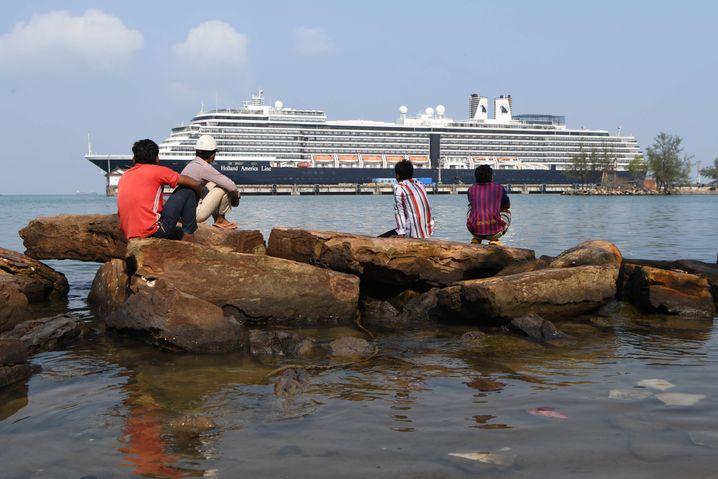 """Auf dem Kreuzfahrtschiff """"Westerdam"""" hatte sich ein Verdacht auf Coronavirus-Erkrankung als Fehlalarm herausgestellt - die Mitreisenden werden vorsichtshalber jedoch in Isolation genommen"""