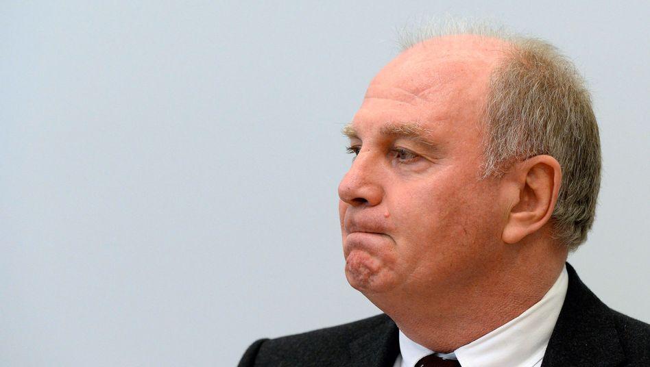 """Steuersünder Uli Hoeneß: """"Selbstverständlich bieten wir Ihnen an, nach Eingang der Bankbelege die Überprüfungsmöglichkeit so einfach wie möglich zu gestalten"""", heißt es in der Selbstanzeige"""