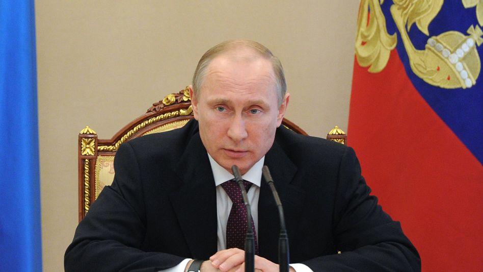 Russlands Präsident Putin: Die Moskauer VTB Bank kann wegen Kapitalflucht und drohender Sanktionen ein Kapitalpolster gut gebrauchen - und lockt deutsche Sparer mit hohen Zinsen