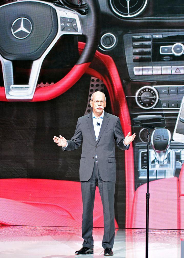 Daimler-Chef Zetsche bei seiner CES-Präsentation im Jahr 2012: Diesmal geht es um die künftige Rolle des Automobils