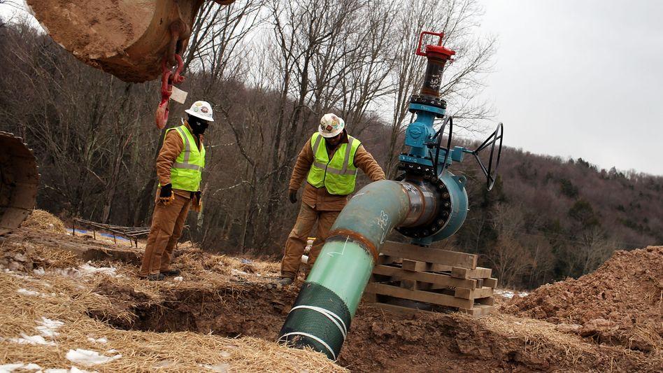 Gasförderung in den USA: Viele Firmen werden Opfer ihres eigenen Erfolges - wegen der hohen Fördermengen sinken die Preise