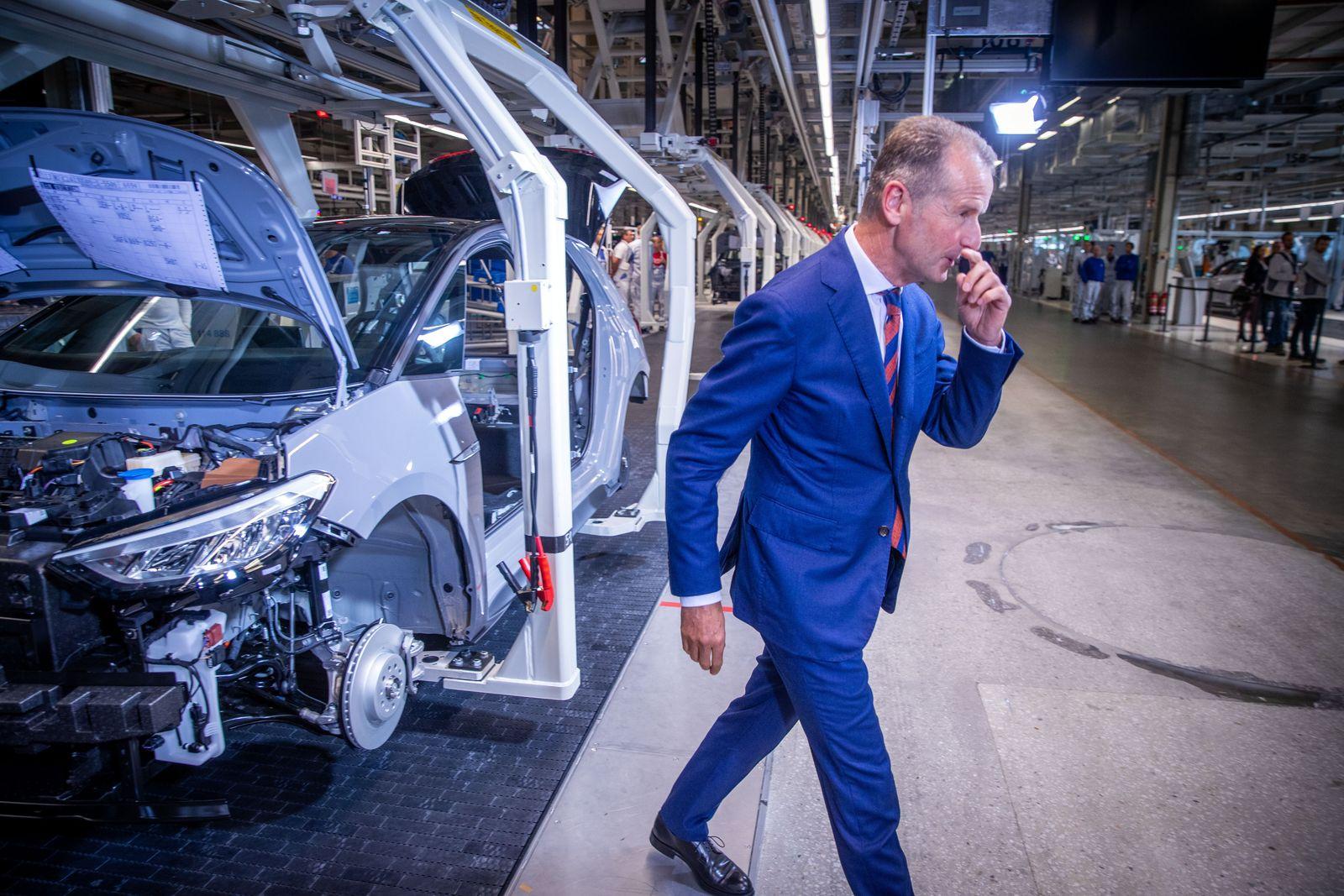 EINMALIGE VERWENDUNG Volkswagen startet die Produktion des Elektroautos ID.3